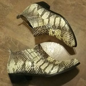 Genuine Taupe/Cream Snakeskin Low Top Boots S-11